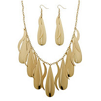 SETA JEWELRY 2 Piece Teardrop Necklace and Earrings Set in Yellow Gold Tone